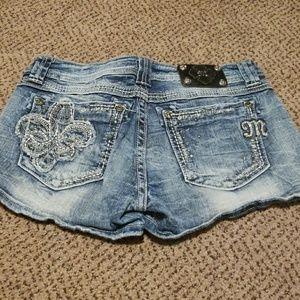 Miss me jean shorts size 31